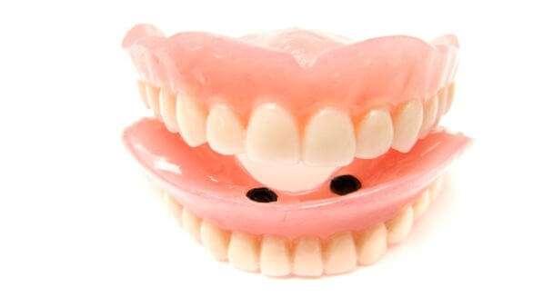 Anwendungsgebiete und Chancen von Zahnimplantaten