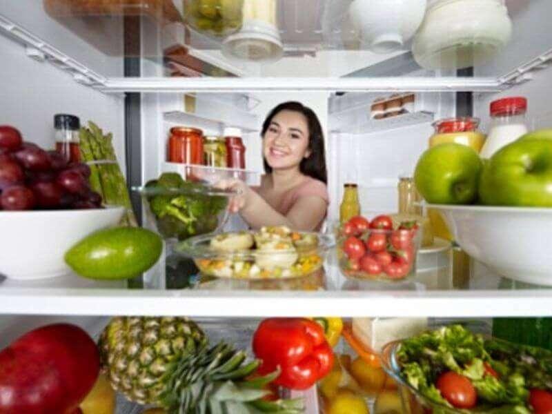 Quelle natürlicher Schönheit Der Kühlschrank